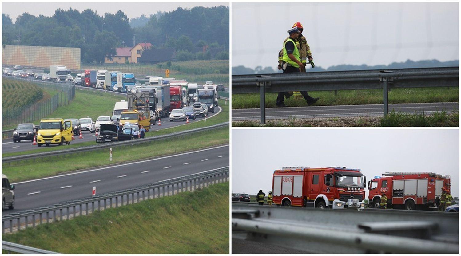Autostrada A1: kolejny wypadek pod Kutnem, co najmniej jedna osoba poszkodowana [ZDJĘCIA] - Zdjęcie główne