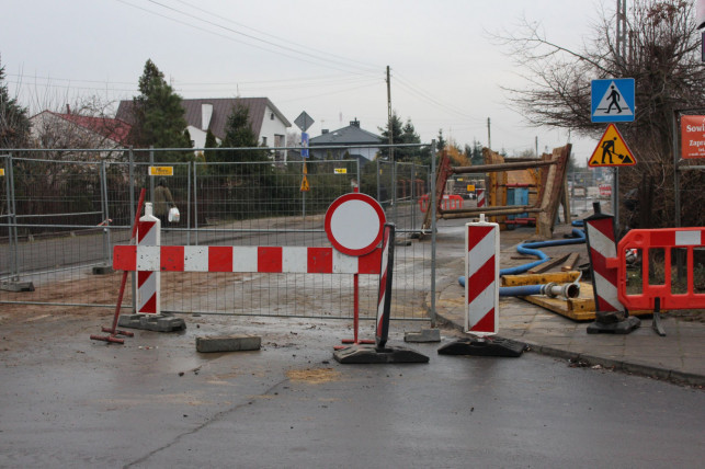 Ul. Łąkoszyńska odblokowana zgodnie z terminem. Autobusy wracają na dawne trasy - Zdjęcie główne