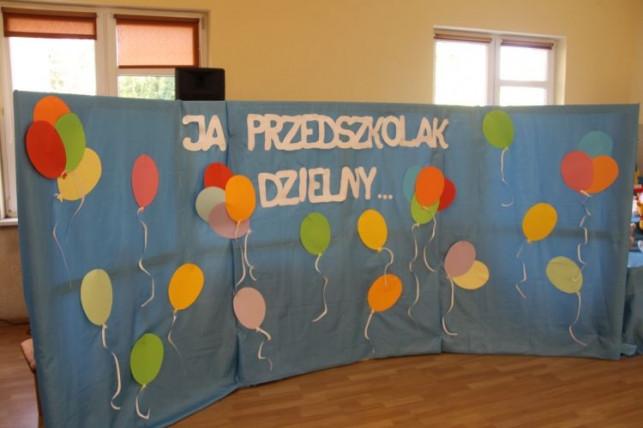 """[GALERIA] Maluchy z """"Jarzębinki"""" pasowane na przedszkolaków - Zdjęcie główne"""