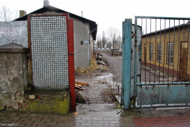 Wadliwe przejście na dworcu - Rzymkowski znów interweniuje - Zdjęcie główne