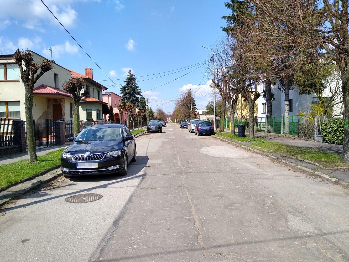 [ZDJĘCIA] Mieszkańcy tej kutnowskiej ulicy odetchną z ulgą. Szykuje się duży remont - Zdjęcie główne