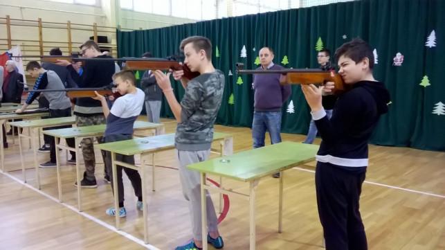 """Sukcesy strzeleckie uczniów """"Czwórki"""" - Zdjęcie główne"""