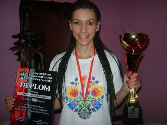 Kutnianka nagrodzona na Międzynarodowych Mistrzostwach Fryzjerstwa Polskiego - Zdjęcie główne