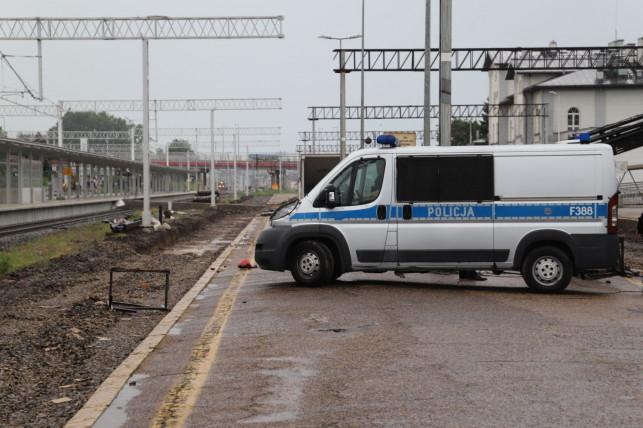 [FOTO] Śmierć na kutnowskiej stacji. Na miejscu policja i prokuratura - Zdjęcie główne