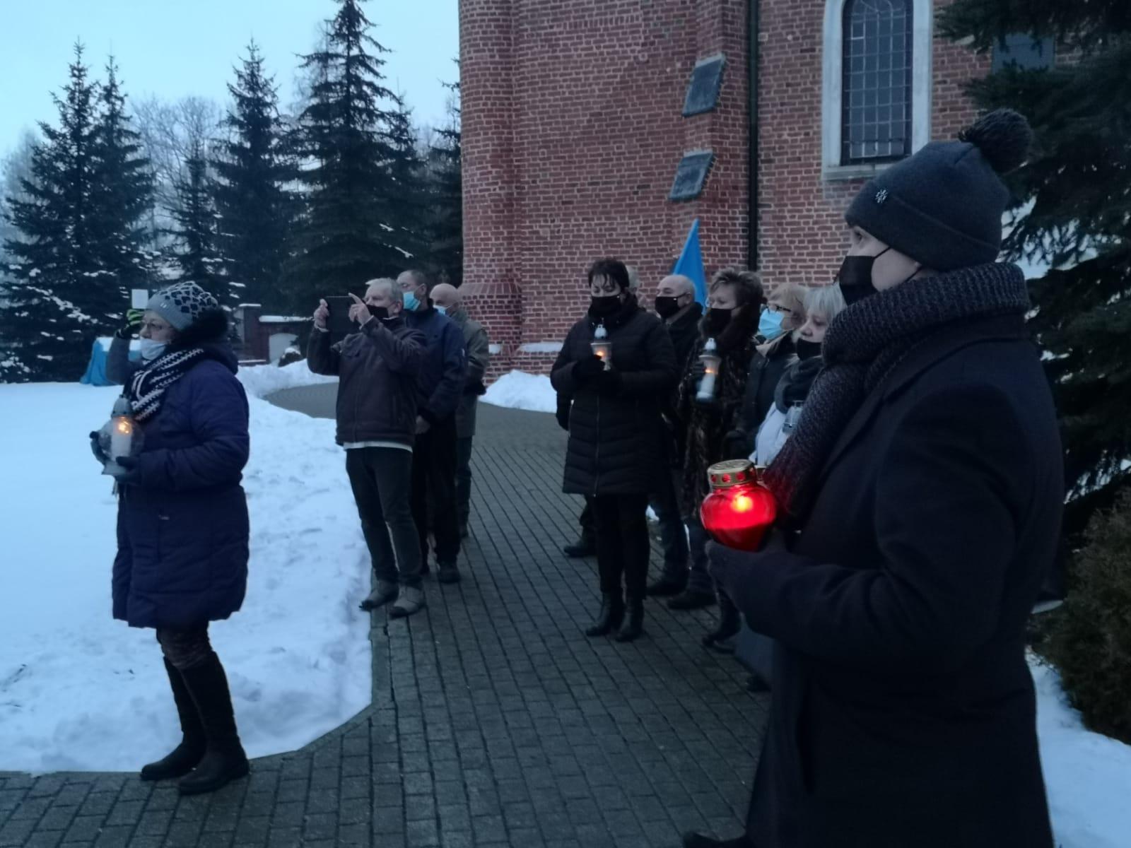 [ZDJĘCIA] Droga Krzyżowa w Głogowcu. Wierni modlili się w intencji wszystkich Polaków - Zdjęcie główne