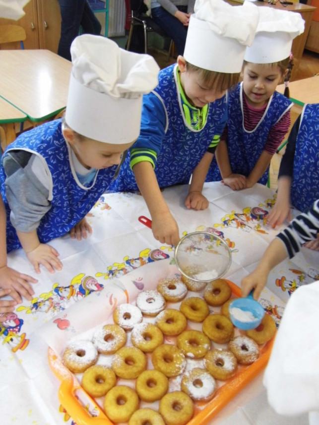 Mali cukiernicy w przedszkolu nr 8 - Zdjęcie główne