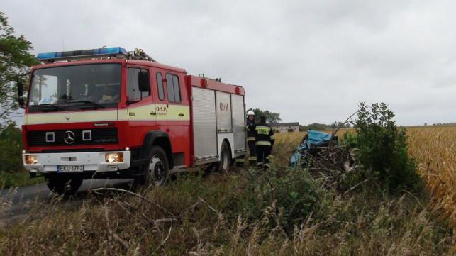 Osobówka zderzyła się z ciężarówką. Trzy osoby ranne! (TV KUtno) - Zdjęcie główne