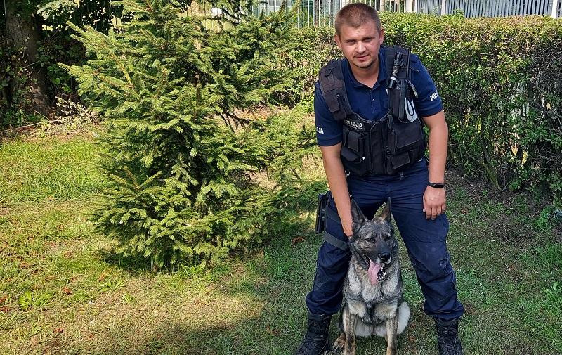 Nowy psi funkcjonariusz policji w Kutnie. Juma pomoże w wykrywaniu narkotyków [ZDJĘCIA] - Zdjęcie główne