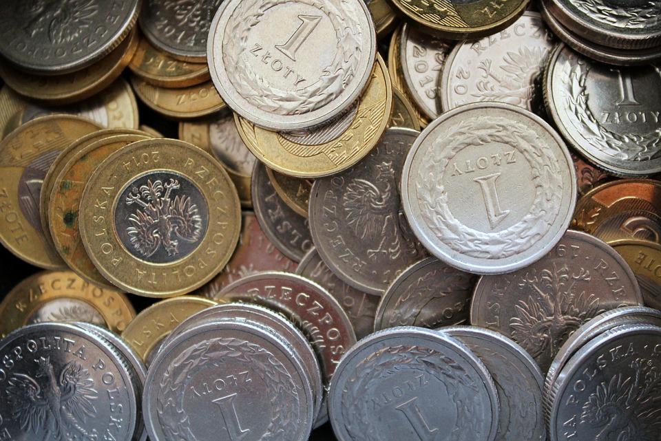 Rząd odbierze nam pieniądze z kart! Polacy nie będą zadowoleni - Zdjęcie główne