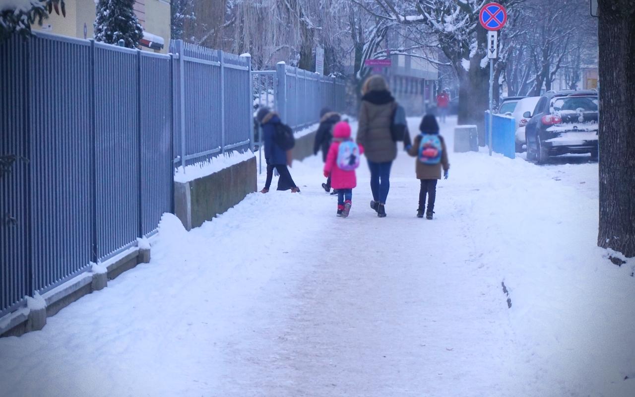 Maluchy wróciły do szkół. Jaka frekwencja w kutnowskich podstawówkach? - Zdjęcie główne