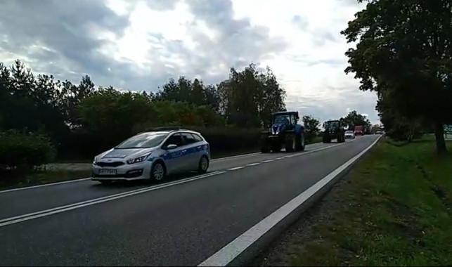 [ZDJĘCIA/WIDEO] Protest rolników w Kutnie. Gigantyczne utrudnienia w ruchu - Zdjęcie główne