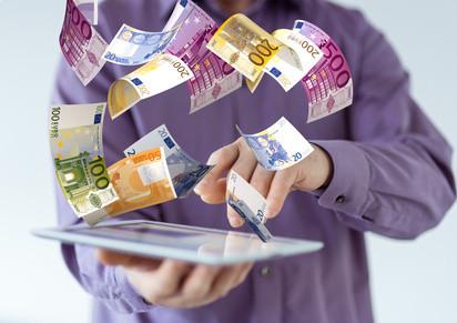 Jak firmy oferujące chwilówki online zarabiają na klientach - Zdjęcie główne