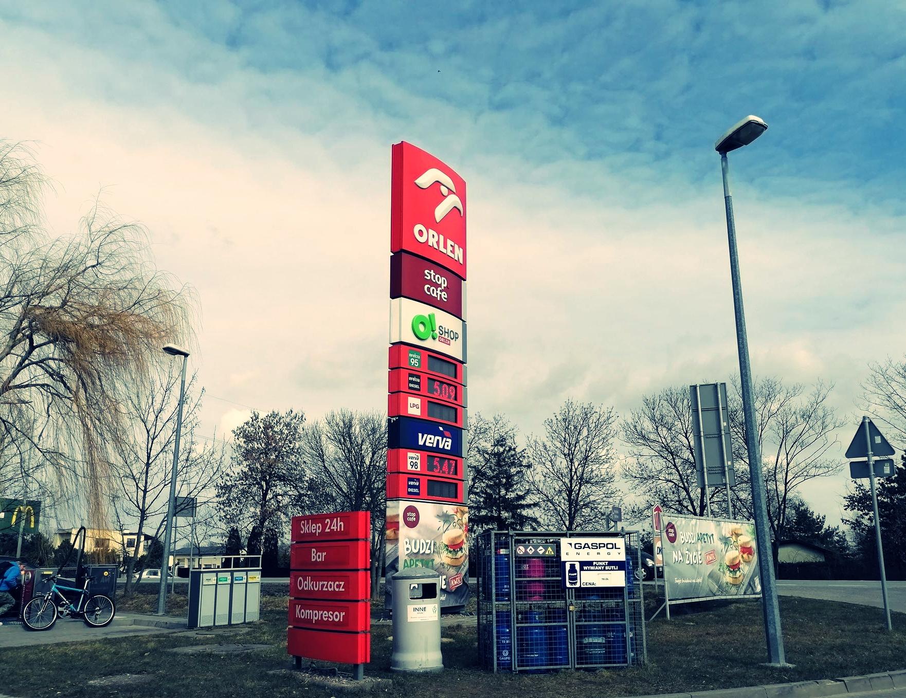 Takich cen paliw nie było od dawna. Zobacz, ile kosztuje benzyna na kutnowskich stacjach - Zdjęcie główne