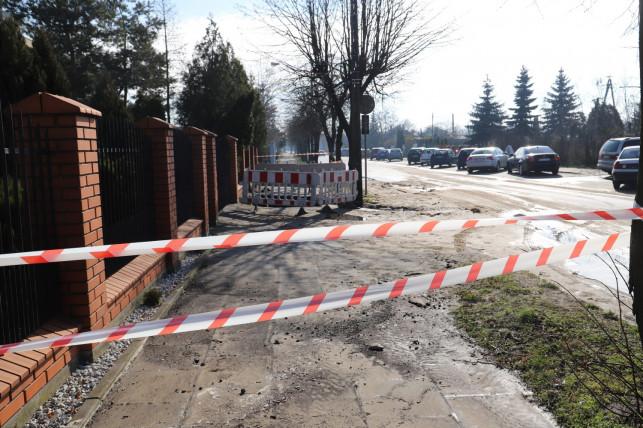 [FOTO] Powódź na Toruńskiej. Doszło do awarii wodociągów - Zdjęcie główne