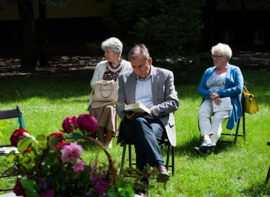 [FOTO] Zapatrzeni w Balladynę, czyli Narodowe Czytanie w bibliotece - Zdjęcie główne