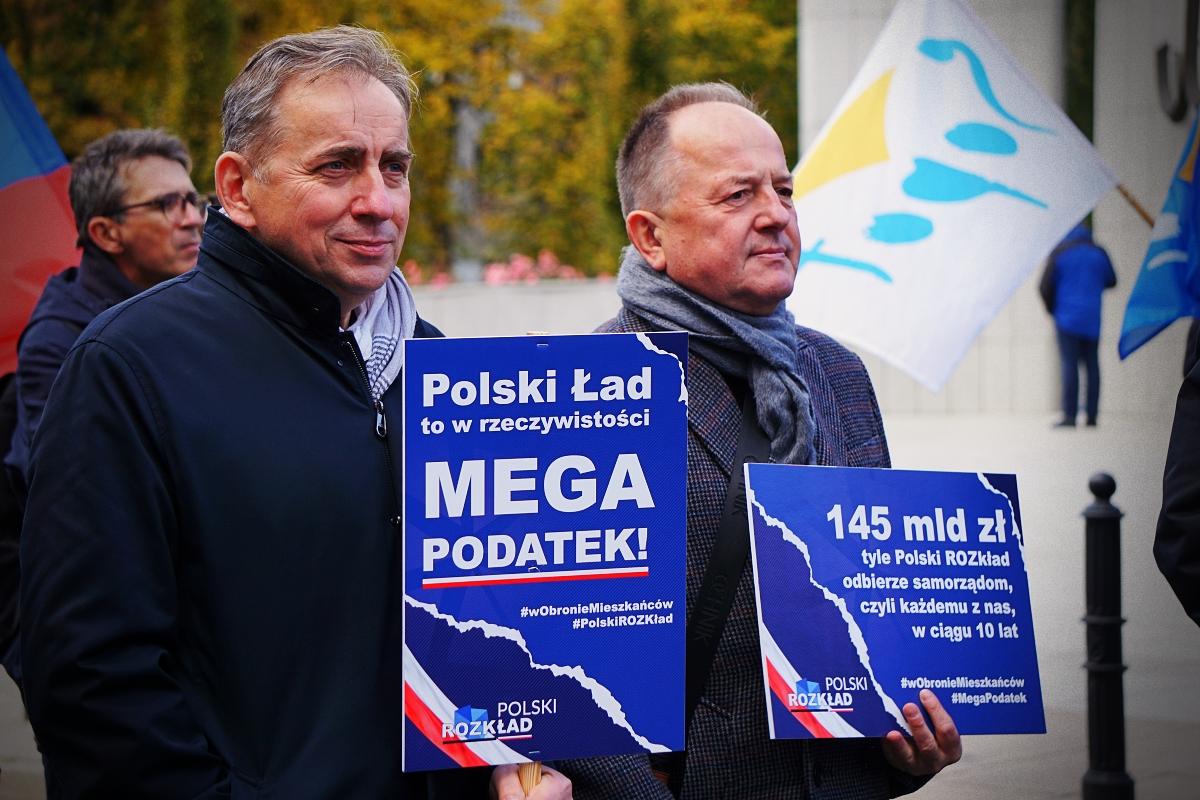 """Protestowali przeciwko Polskiemu Ładowi. Kutnowski magistrat: """"Jest o co walczyć!"""" [ZDJĘCIA] - Zdjęcie główne"""