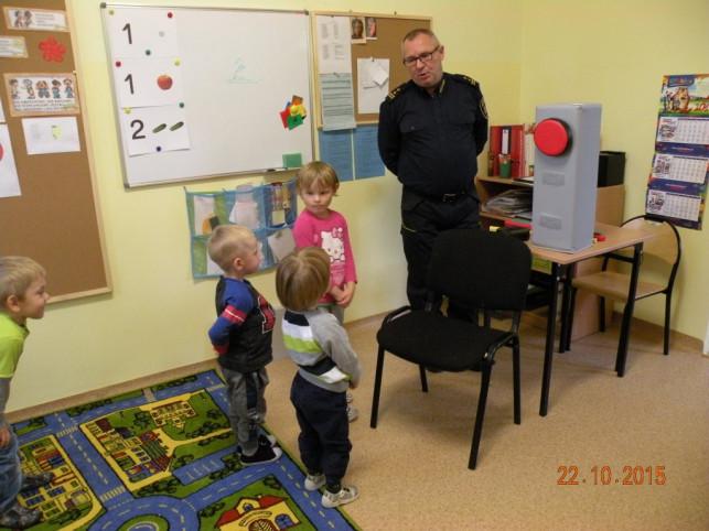 Przedszkolaki uczyły się zasad bezpieczeństwa - Zdjęcie główne