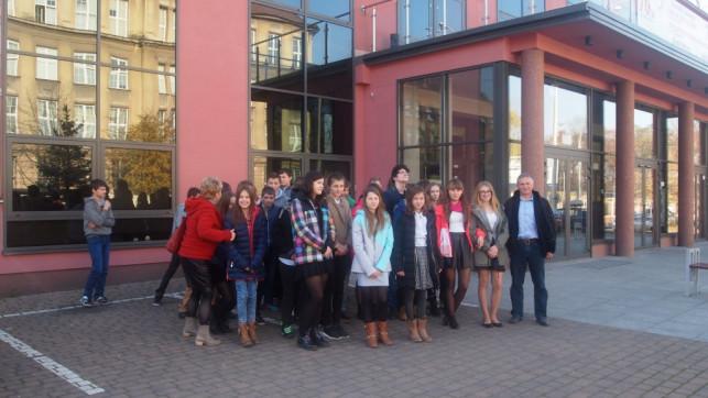 Gimnazjaliści z Dąbrowic w łódzkim Teatrze Muzycznym - Zdjęcie główne