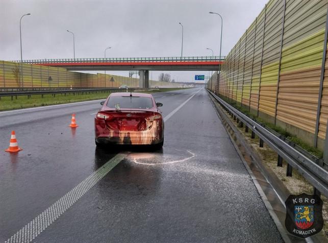Groźnie na autostradzie - zła pogoda przyczyniła się do... - Zdjęcie główne