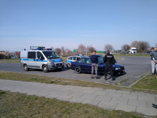 [AKTUALIZACJA][ZDJĘCIA] Policyjny pościg na Łąkoszyńskiej! Uciekał kierowca BMW - Zdjęcie główne