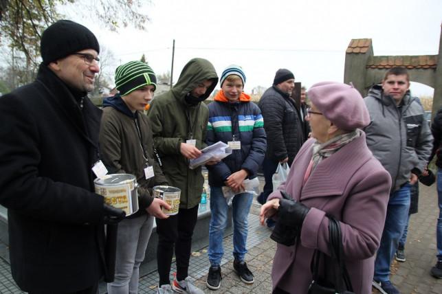 Rekordowa kwesta w Krośniewicach. Zebrano aż... - Zdjęcie główne