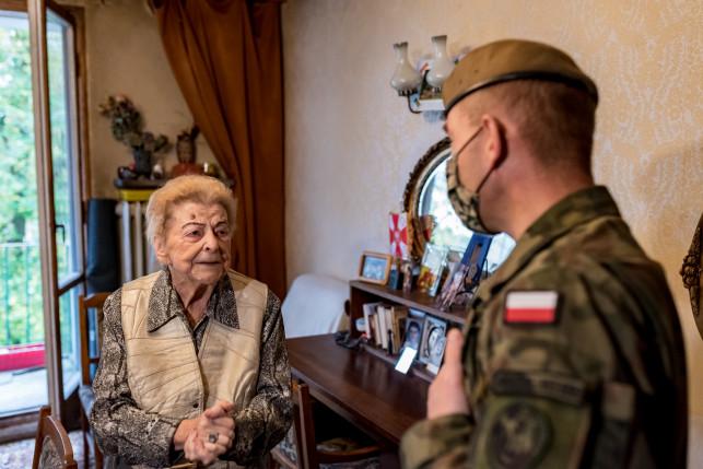 [ZDJĘCIA] Terytorialsi przekazali paczki powstańcom - Zdjęcie główne
