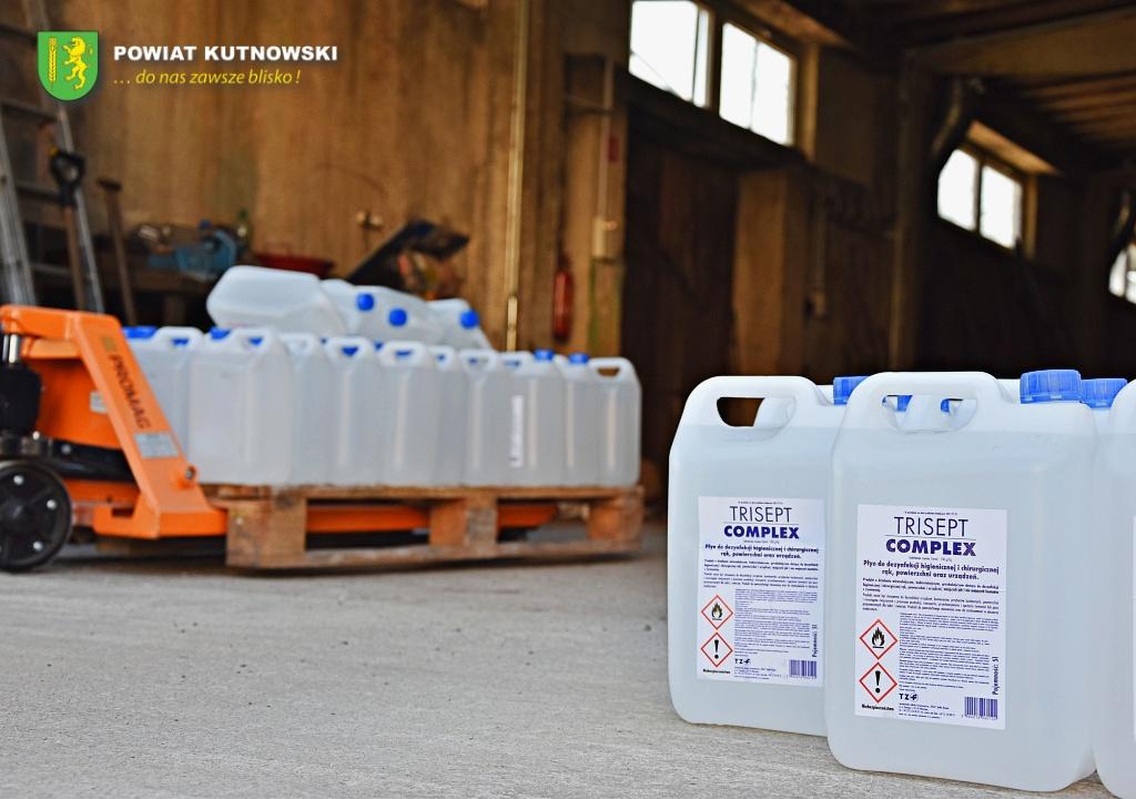 [ZDJĘCIA] Do szkół z powiatu kutnowskiego trafiły maseczki i płyny do dezynfekcji - Zdjęcie główne