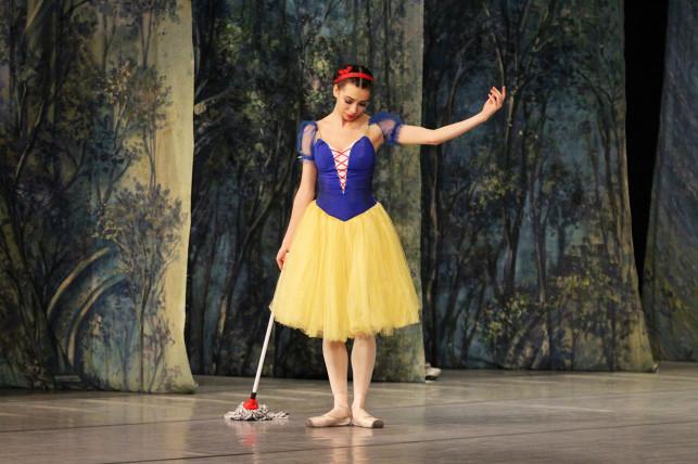 """[ZDJĘCIA] Artyści baletowi opowiedzieli najpiękniejszą baśń - Royal Lviv Ballet i """"Królewna śnieżka"""" na deskach Kutnowskiego Domu Kultury  - Zdjęcie główne"""