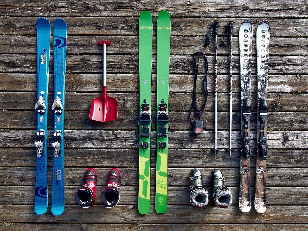 Kopalnia sprzętu- narty dla narciarzy najwyższej jakości - Zdjęcie główne