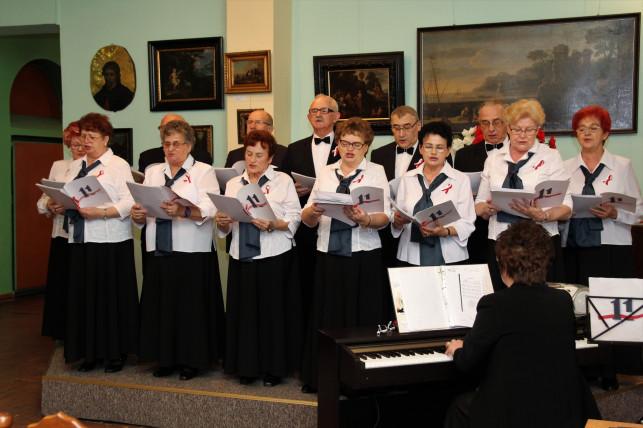 Krośniewicki koncert pieśni patriotycznych i rozstrzygnięcie konkursów muzealnych - Zdjęcie główne