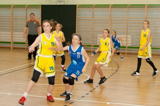 Podwójne zwycięstwo Młodziczek Młodszych na turnieju  - Zdjęcie główne