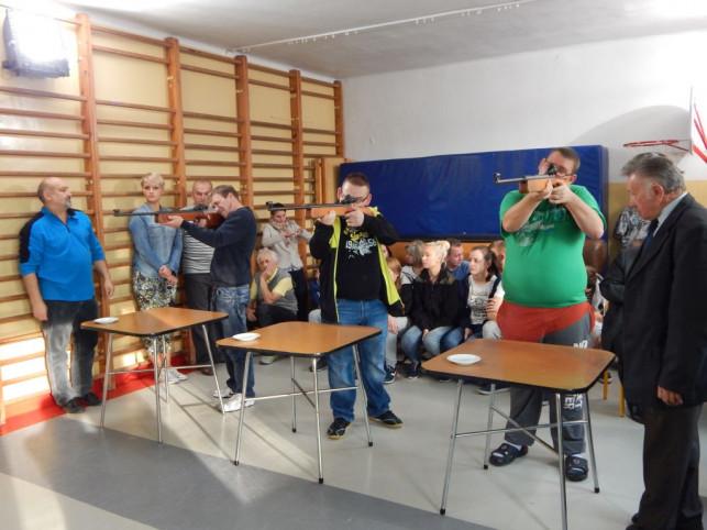 Podopieczni SOSW nr 2 obchodzili Dzień Głuchego  - Zdjęcie główne