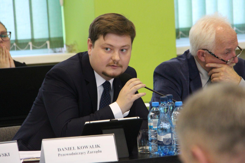 """Władze powiatu o szczepieniach przeciwko COVID-19: """"To wyraz patriotyzmu"""" - Zdjęcie główne"""