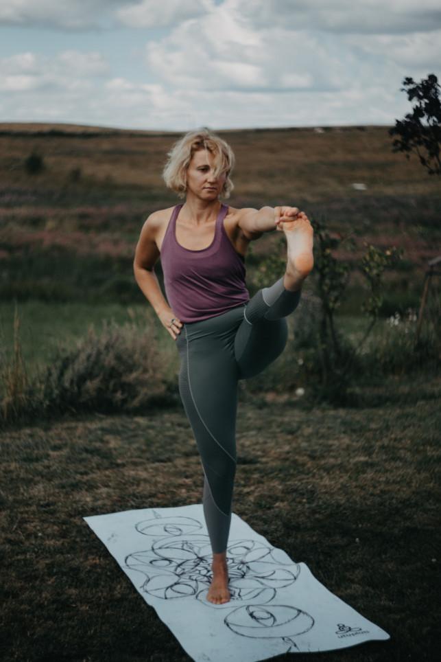 Joga na piękne ciało i nie tylko. Jak joga wpływa na nasz wygląd. - Zdjęcie główne
