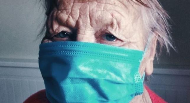 Koronawirus: w powiecie kutnowskim wyzdrowiały dwie osoby, nie żyje starsza kobieta - Zdjęcie główne