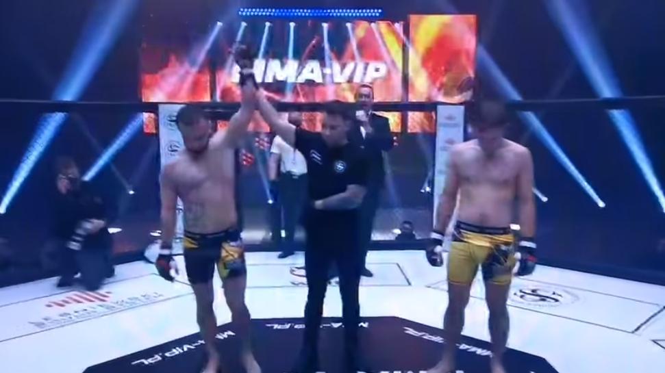 Krystian Rosa wygrywa kolejną walkę! - Zdjęcie główne
