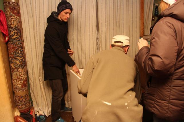 [ZDJĘCIA] Szlachetna Paczka rozdaje dary. Odwiedziliśmy z nimi jedną z rodzin - Zdjęcie główne