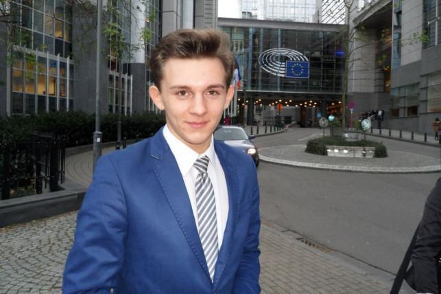 """Uczeń """"Dąbrowszczaka"""" w Parlamencie Europejskim - Zdjęcie główne"""