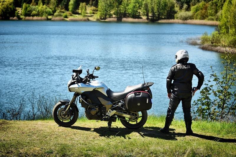Policjanci na nieoznakowanych motocyklach patrolują powiat kutnowski [ZDJĘCIA] - Zdjęcie główne