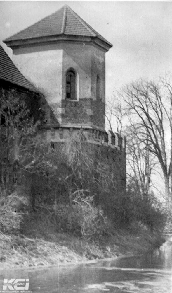 Środy z historią: Otwarcie szpitala i historia Zamku w Oporowie [GALERIA] - Zdjęcie główne