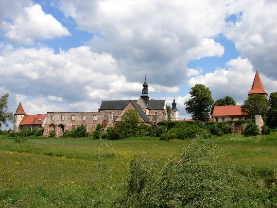 [TOP 10] Wycieczka poza Kutno: które miejsca w regionie warto odwiedzić? - Zdjęcie główne