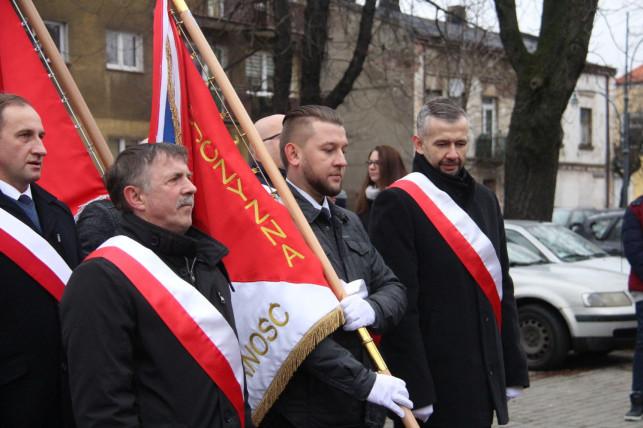 """[WIDEO/ZDJĘCIA] 37 lat temu Jaruzelski ogłosił stan wojenny. Kwiaty i przemówiania pod """"Ulotką"""" - Zdjęcie główne"""