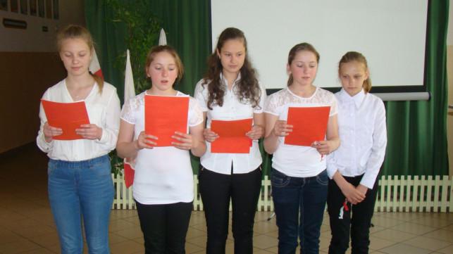 Patriotyczna przerwa w szkole w Strzegocinie - Zdjęcie główne