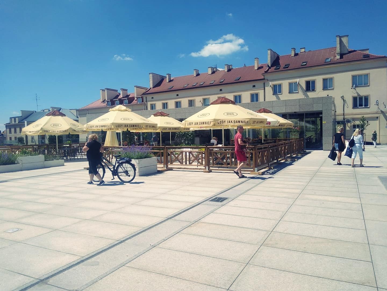 Na kawę i ciasto na Plac Wolności. Wiemy, ile kosztuje dzierżawa pawilonu gastronomicznego - Zdjęcie główne