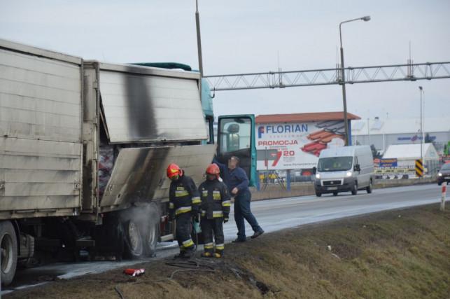 Pożar samochodu na Sklęczkowskiej - Zdjęcie główne
