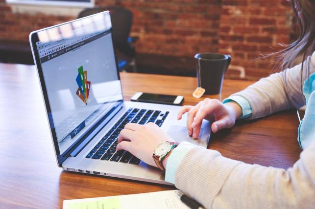 Jak wybrać najlepszą pożyczkę przez internetJak wybrać najlepszą pożyczkę przez internet? - Zdjęcie główne
