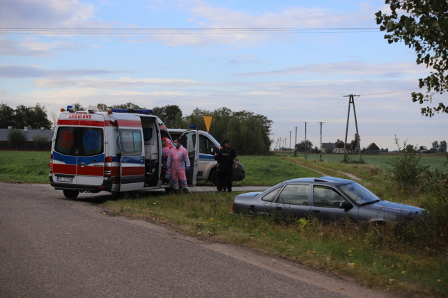 [FOTO] Pijany mężczyzna wjechał do rowu, potem zaczął się awanturować ze służbami - Zdjęcie główne