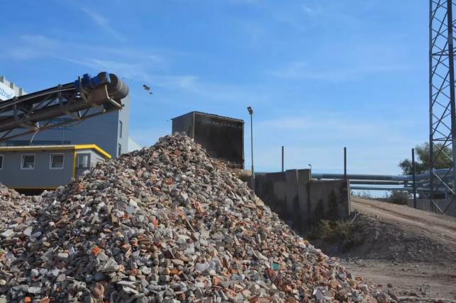 Legalne składowanie odpadów. Ile możemy zaoszczędzić? - Zdjęcie główne