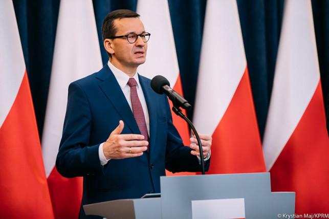 [WIDEO NA ŻYWO] Wprowadzą nowe obostrzenia?! Trwa konferencja premiera Morawieckiego - Zdjęcie główne