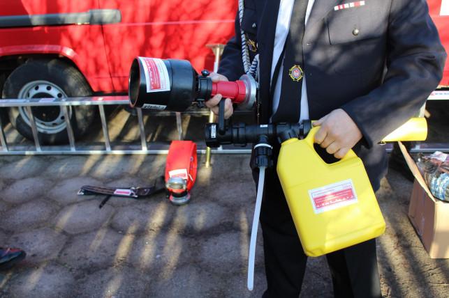 Nowy sprzęt ratujący życie przekazany strażakom - Zdjęcie główne